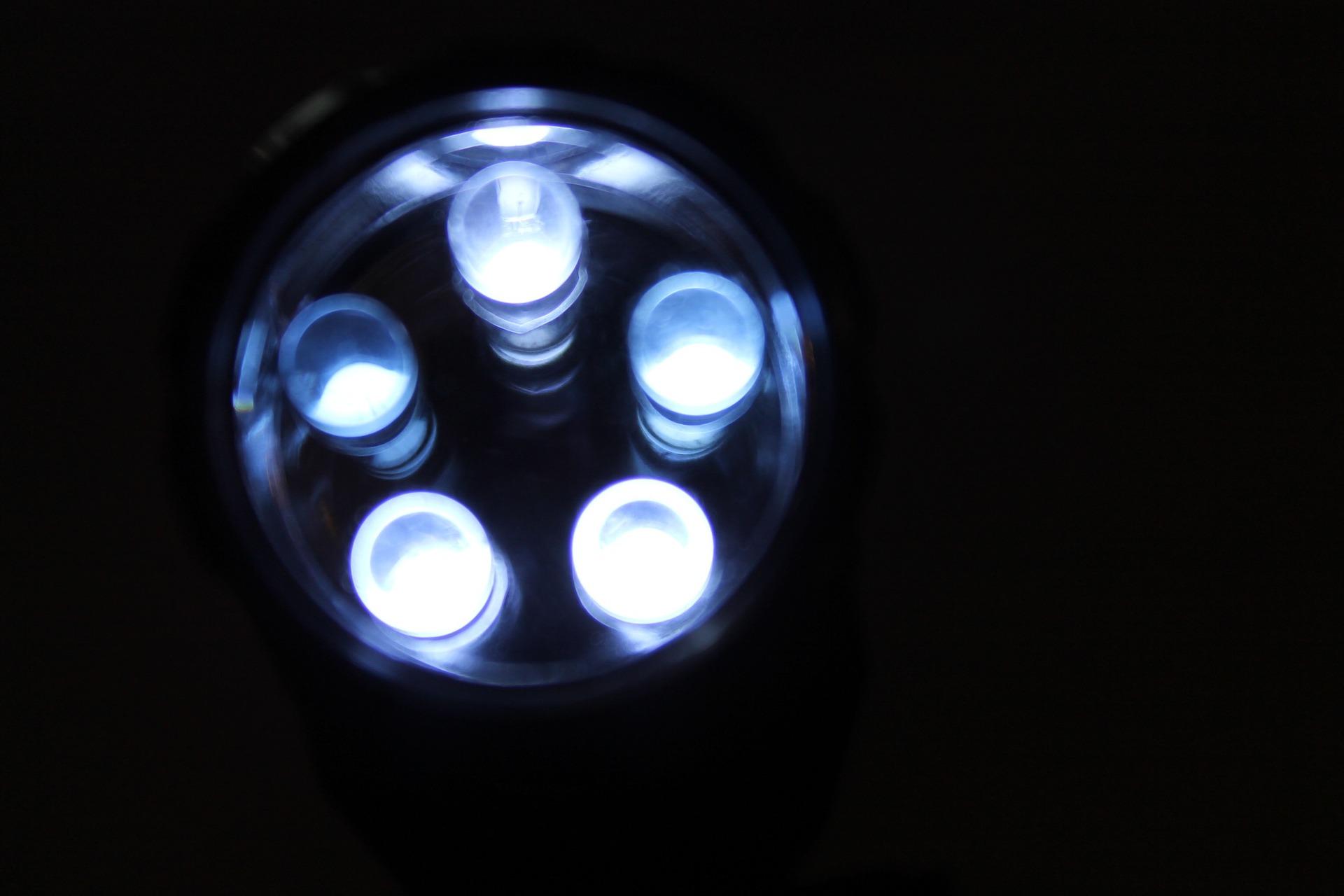 led-252074_1920